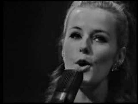 """Anni-Frid Lyngstad-""""En ledig dag (Weekend in Portofino)"""""""