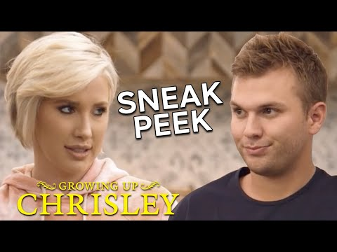 Chase Bets Savannah That Her New Assistant Won't Last   Growing Up Chrisley   USA Network