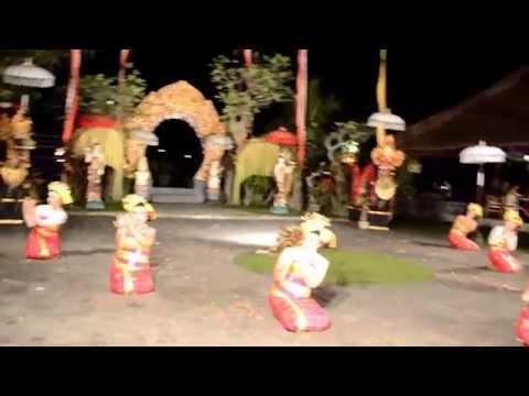 Tenun Dance - Sanggar Bali Rara & Millenia pada Laka Leke , Ubud , Bali