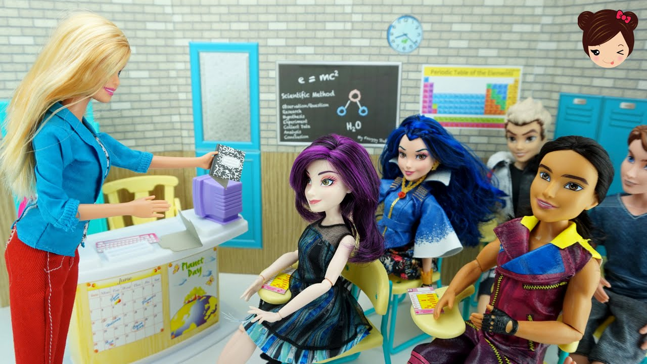 Aula Escolar Para Munecas Barbie Descendientes Monster High Eah