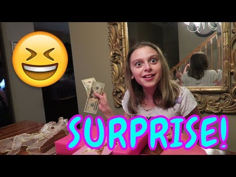 😆SURPRISE SHOPPING SPREE AT TOYS R US!👜 | FIRST DAY TV