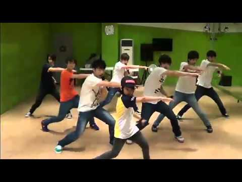 [SEVENTEEN PREDEBUT] SEVENTEEN dances + sings to Super Junior - Happiness & B2ST - Beautiful