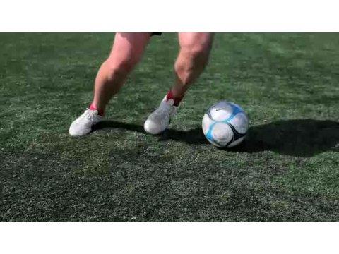 How to Do a Ronaldo Chop | Soccer Lessons