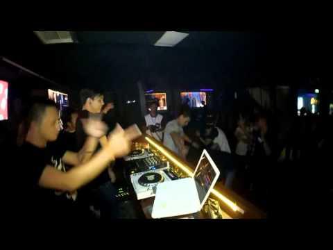 Candle Light : Flirt Me at Bunker Karaoke & Bar