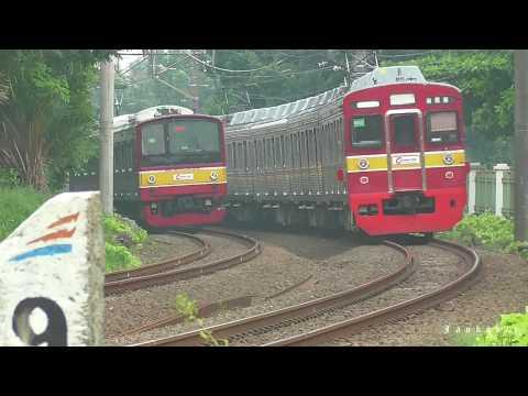 Krl Commuter Line Jakarta Bogor  Di Tikungan Lenteng Agung