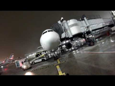 Frontier ramp work at O'hare
