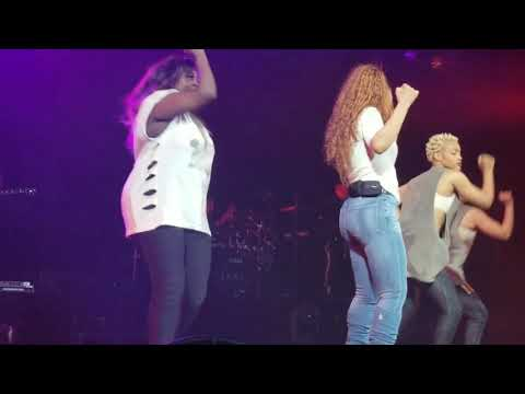 Janet Jackson - I Get Lonely (Concert Performance)