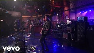Music video by Kings Of Leon performing Temple (Live on Letterman)....
