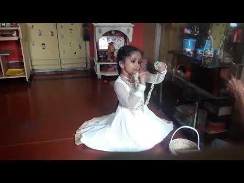 Phule Phule Dhole Dhole Dance Performance by Kathamrita Chatterjee