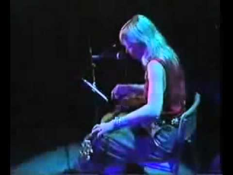 Joni Mitchell - A Case Of You (lyrics)