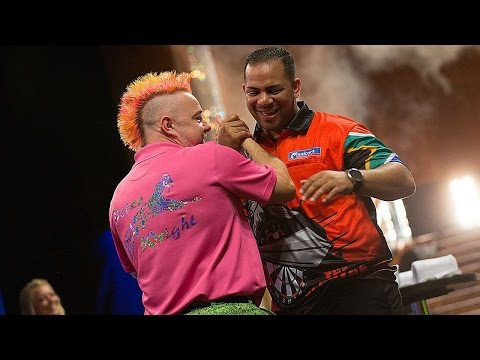 BEST WALK-ON EVER? Peter Wright and Devon Petersen's Dance-Off!