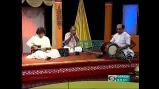Mandolin-U Srinivas- Reethi Gowla - Haridwaramangalam AK Palanivel Thavil  Courtesy Doordarsan