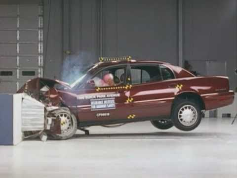 1999 Buick Park Avenue moderate overlap IIHS crash test ...