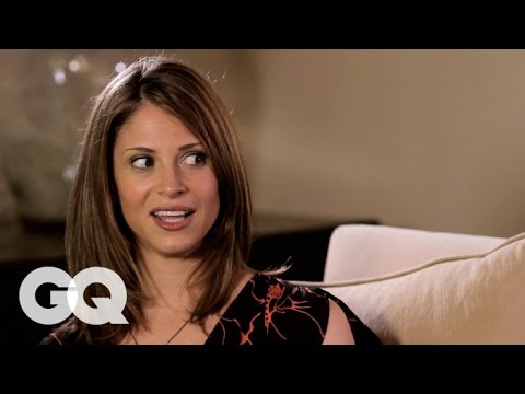 Comedian Andrea Savage Shows Jason Nash How to Flirt with a Lady-GQ's How to Be a Man