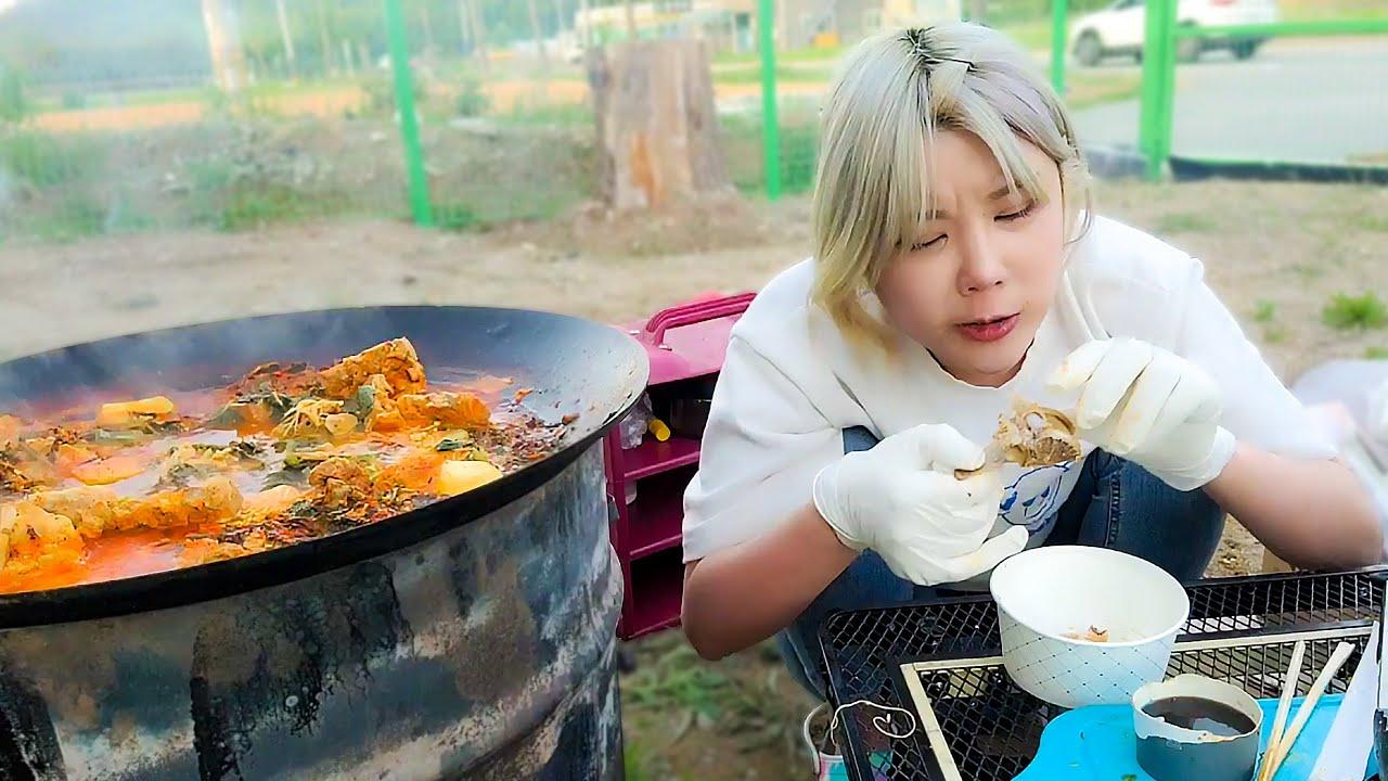 평상 만들고 먹는 솥뚜껑 감자탕 먹방 MUKBANG