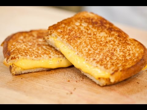 HOW TO MAKE A PERFECT GRILLED CHEESE SANDWICH...KINDA | Jennifer Fix ...