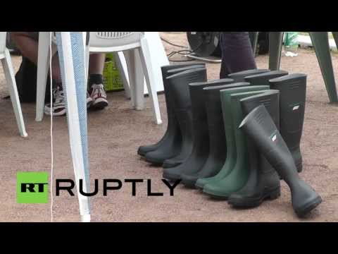 Germany: Wellie throwers come to Berlin to give sport the boot