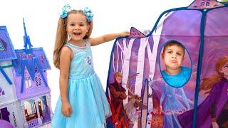 ダイアナとローマ、アナと雪の女王2のおもちゃで遊ぶ