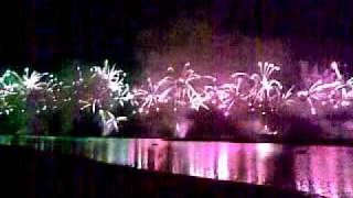 Biggest fireworks on Palm Jumeirah - Dubai - Opening Atlantis Hotel - 1