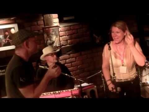 Stefan fra Sverige  munnspill-solo på Notodden blues festival