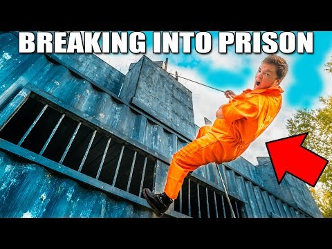 BREAKING INTO PRISON!! Escaping YouTube Hacker (24 Hour Challenge)