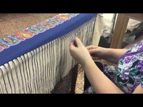 Плетение бахромы на павловопосадском платке