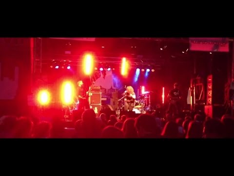 Big Balls Cowgirl - Go For The Lead (Live)