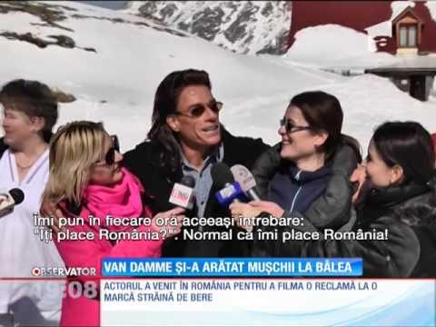 Jean Claude van Damme iubeşte România! Şi a arătat muşchii la hotelul de gheaţă de la Bâlea