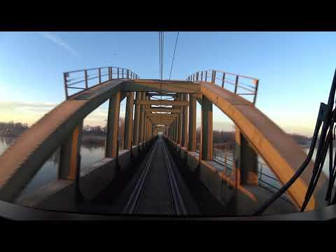 A train drivers view: Nijmegen - Roosendaal, DDZ, 18-Jan-2019.