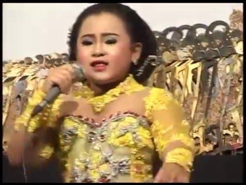 Rakuat Mbok Voc. Dimas Niken Salindri Feat Glowoh live Ki Rudi Gareng