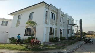 Samantha (Turned Over)- Murang Townhouse sa Tanza, Cavite