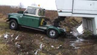 5th Wheel Land Rover Defender - Off Road with 45ft Caravan