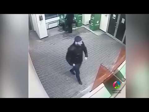 Мужчину ограбили в отделении банка в центре Нижнего Новгорода