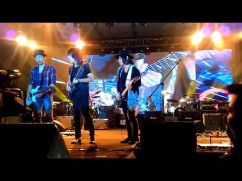 Ian Antono, Imanine J-Rocks, Ridho Slank, Thomas Gigi, Yoyo Padi (Super Guitarist Indonesia 2015)