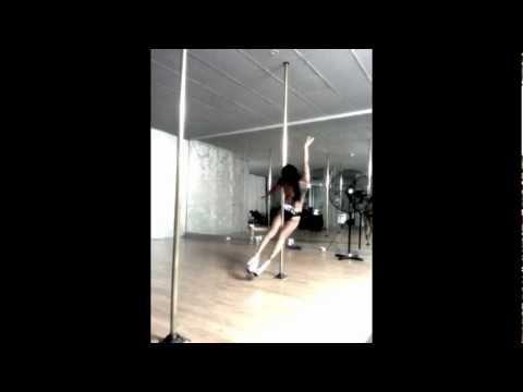 Fianna Barbie - Freestyle pole dance - Addicted