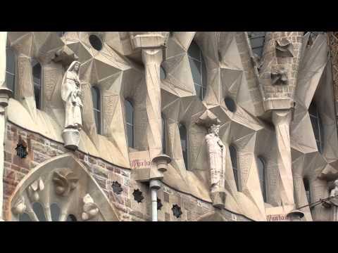 Barcelona - La Sagrada Familia, Spain www.bluemaxbg.com