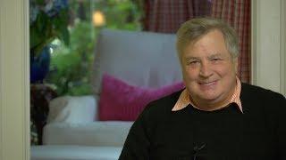 Investigators Close In On Phony Dossier! Dick Morris TV: Lunch ALERT!
