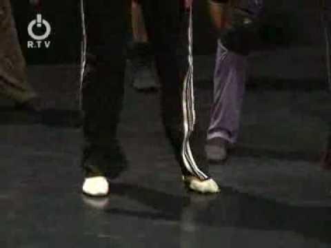 Ballett Pforzheim Man Machine Choreographie James Sutherland