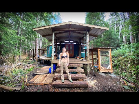 OFF GRID WILDERNESS LIVING   Building a Log Cabin in the Forest - Ep. 77