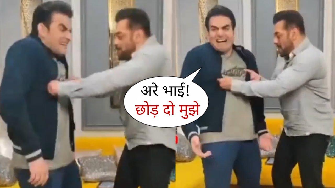 Salman Khan and Arbaaz Khan Makes Fun Behind Scene of Pinch Show, Funny Moments