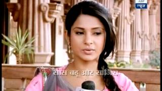 Why is Kumud in pain?