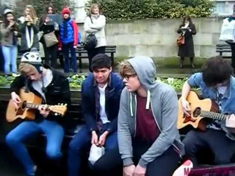 Heartbreak Girl (Live Acoustic) - 5 Seconds Of Summer - Marble Arch London