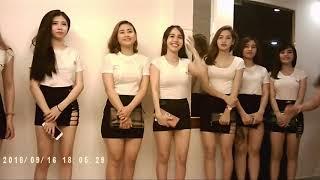 Đột nhập động gái xinh phục vụ khách từ A đến Z ở Sài Gòn