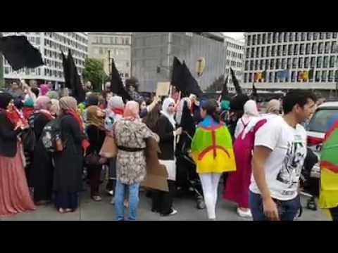 Brussel: Riffijnse Vrouwen nemen de leiding bij dr mars.