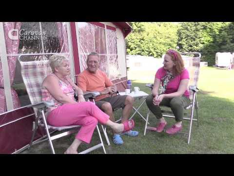 CC S04E09 - TRAVEL & CAMPSITES Thriftwood Holiday Park, Kent