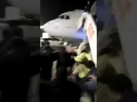 [VIDEO-1] Fashion designer Şansal attacked and detained at İstanbul airport
