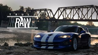 homepage tile video photo for 1997 Dodge Viper GTS: Truly Raw