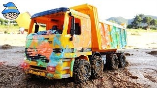 Construction site car toy. Coloring a dump truck Car washing. Water and sand play.