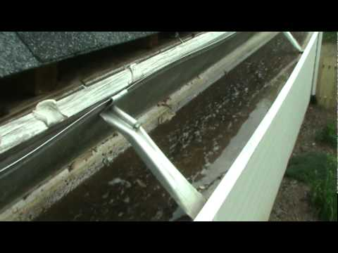 Cobb Gutter Pulling Fascia Boards 4 26 11 Mpg Youtube