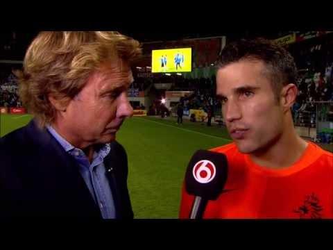 Robin van Persie na de 2-2 bij Estland-Nederland